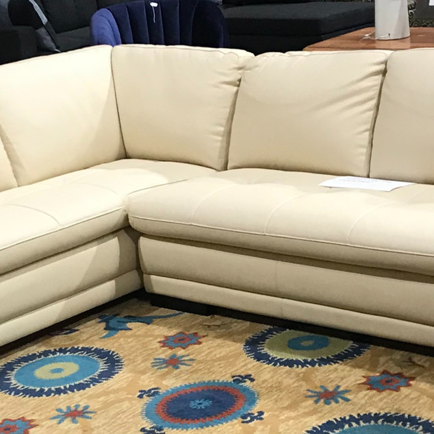 Leather%20sectional%20%241995_edited.jpg