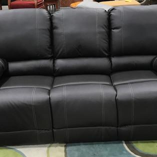Leather%20Recliner%20%24495_edited.jpg