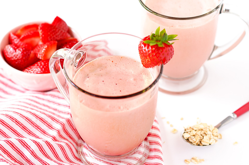 Strawberry Oat Breakfast Smoothie