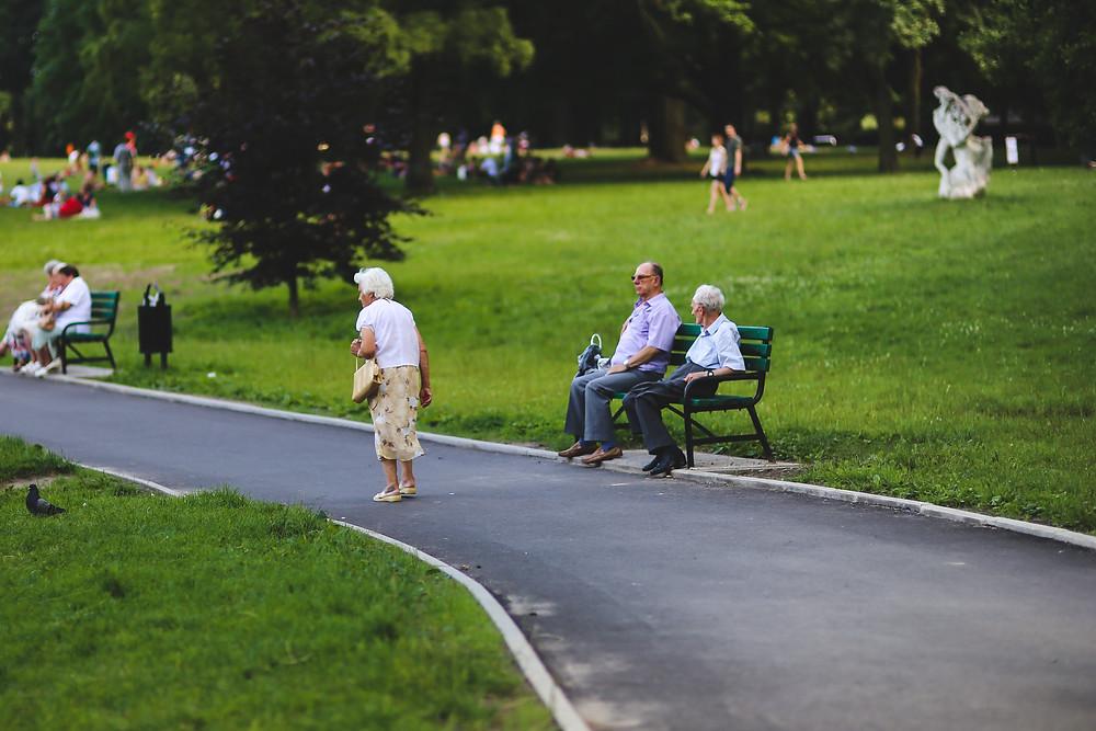 Older_People_walking_in_Park