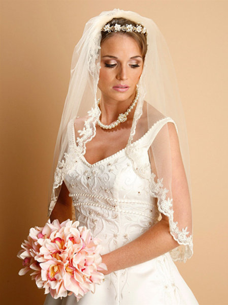 Lace Embroidered Mantilla Veil