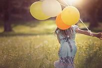 fille ballons-girl-1357485_1920 Pezibear de Pixabay.jpg