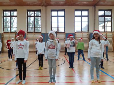 Weihnachtlicher Line Dance der 1m