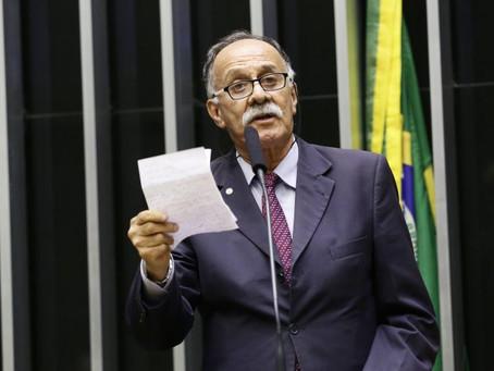 Projeto suspende ações da bolsa por 120 dias para combater coronavírus
