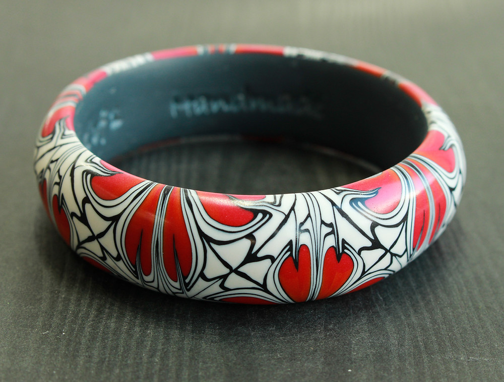 DoodlePippin red flower bangle
