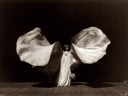 Loïe Fuller: la ballerina con le ali radioattive