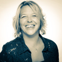 SELINA UGLOW - Wellness Coach & Motivational Speaker