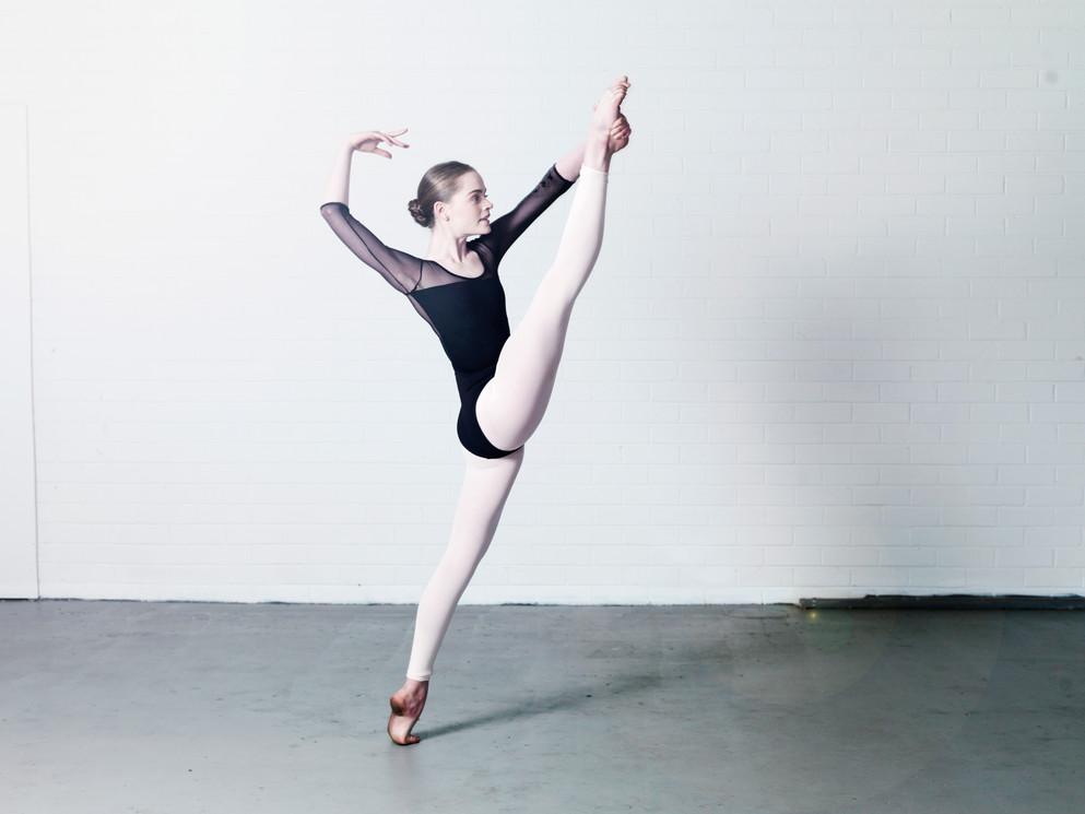 National Capital Ballet School Contemporary. Photo by Leighton Hutchinson.