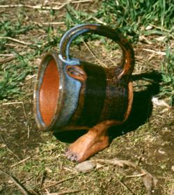 Mug with feet
