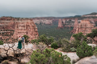 rainy-elopement-colorado-national-monume