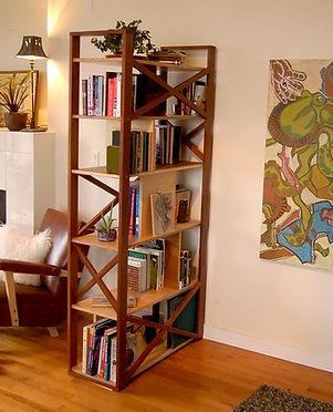 Freestanding bookshelf