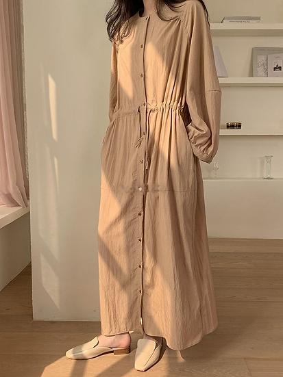 日系感最愛的細摺排扣洋裝