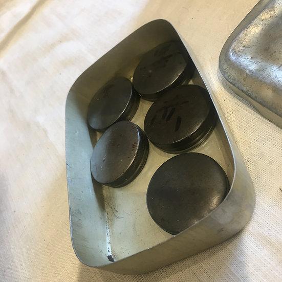 台灣早期 牙醫診所醫療鐵盒(含5個圓餅鐵罐)