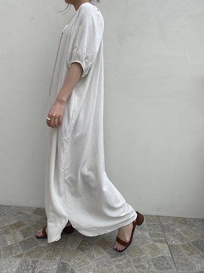 澎澎袖棉麻洋裝