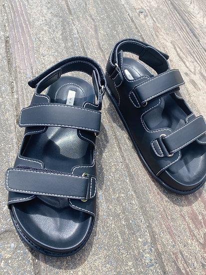 兩槓縫線厚底涼鞋
