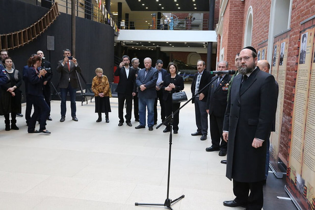 """Выставка """"Воины  - евреи - Герои Советского союза"""