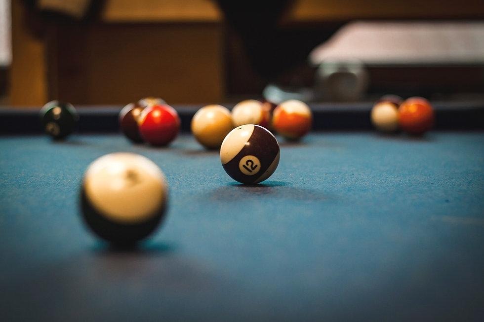 pool-table-1283911_1920_edited.jpg
