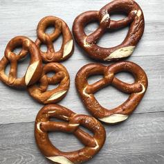 Mini or Large Pretzel Twist