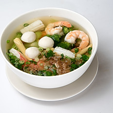 P4 Pho with Seafood and Mixed Vegetables