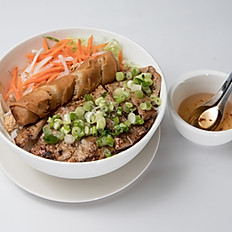 V1 Vermicelli with Fried Egg Roll