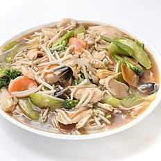 N1 Stir-Fried Rice Noodles with Chicken