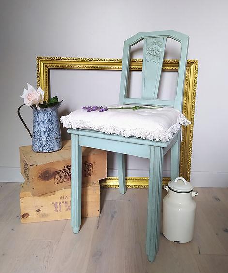 chaise relookée avec patine