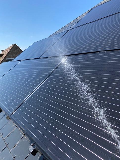Nettoyage panneau solaire 💧