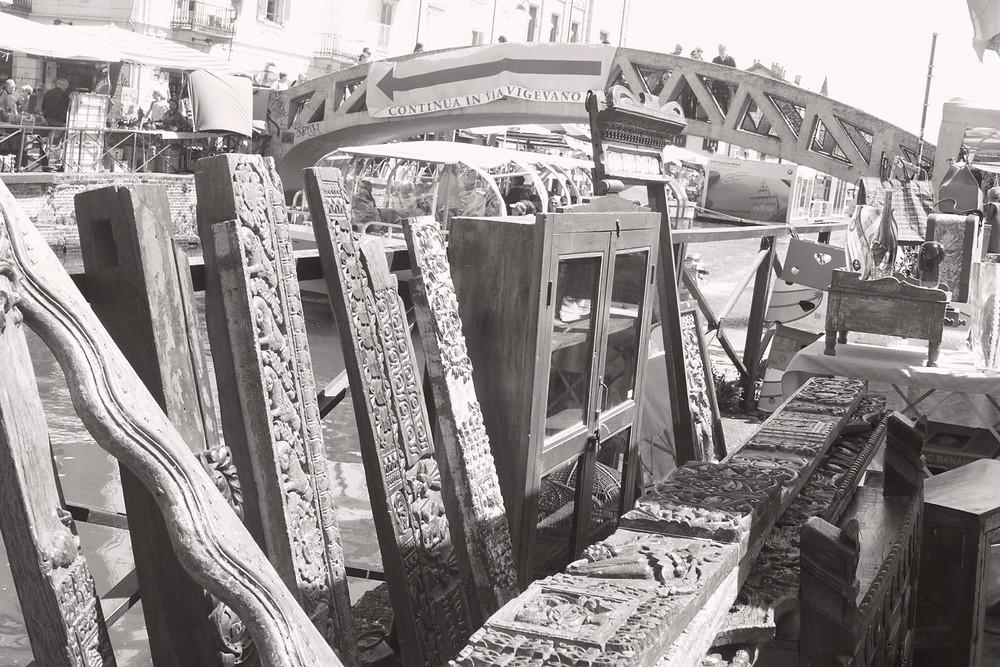 Блошиный рынок на Навильи