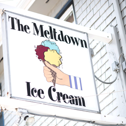 outside-sign-for-the-meltdown-lbi