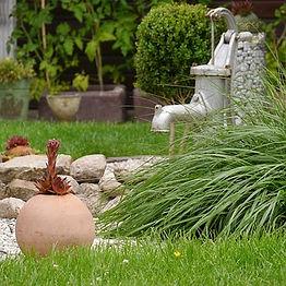 garden-1490997__340.jpg
