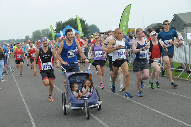 Start of the race 2.JPG