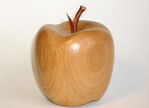 Яблоко из дерева (бук)