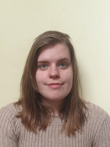 Hannah Taylor headshot.jpg
