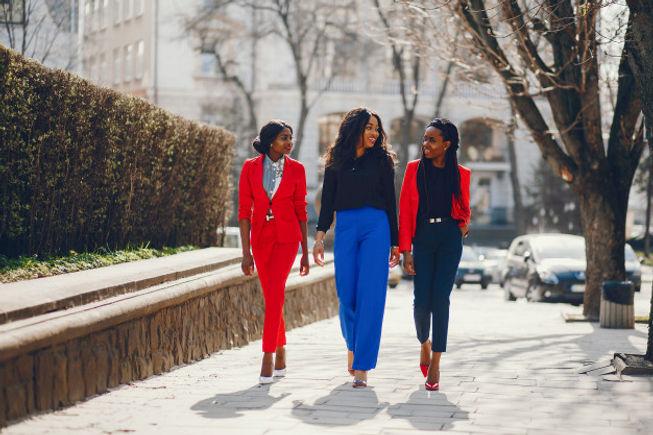 black-women-park_1157-17547.jpg