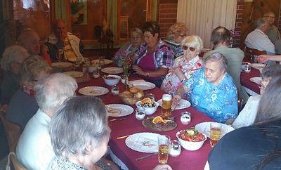 Für die Mieter unseres Betreuten Wohnens für Senioren Am Nordpark stehen montags bis freitags abwechslungsreiche Freizeitaktivitäten auf dem Programm.