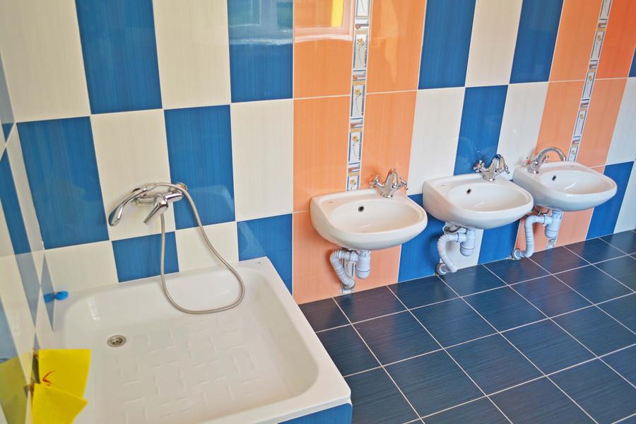 Туалетна кімната групи «Ромашка» ДНЗ №1 «Дзвіночок» міста Сарни