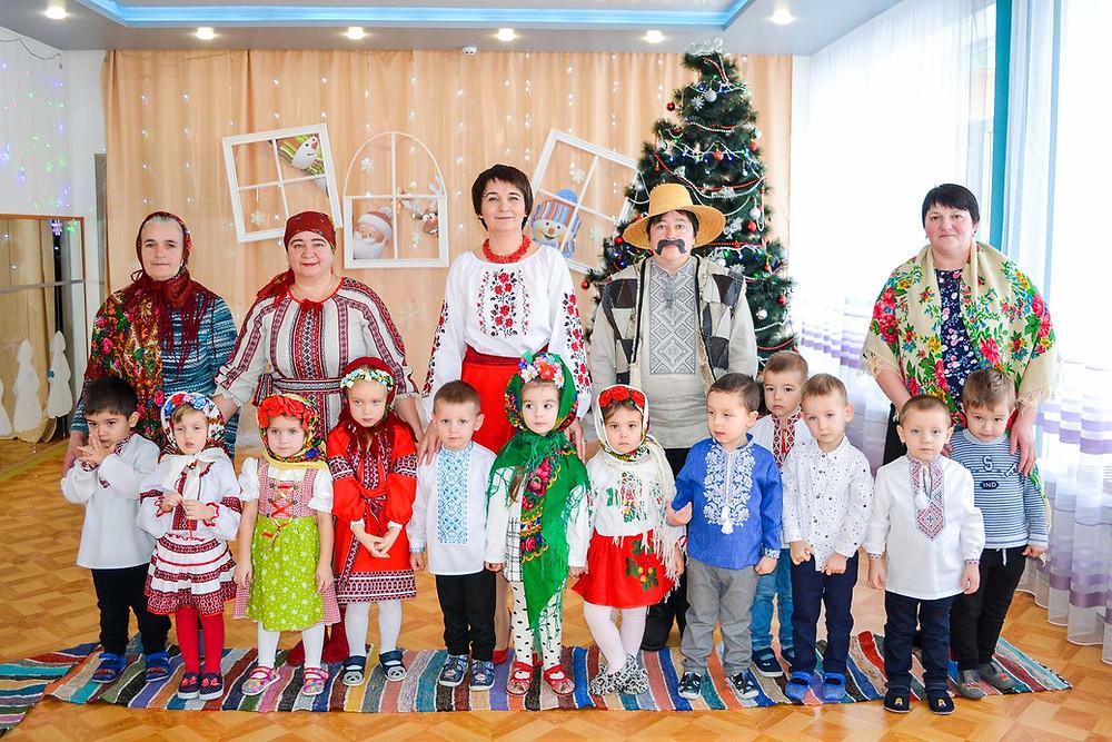 Тематичний тиждень «Святами і обрядами багата Україна» в ДНЗ