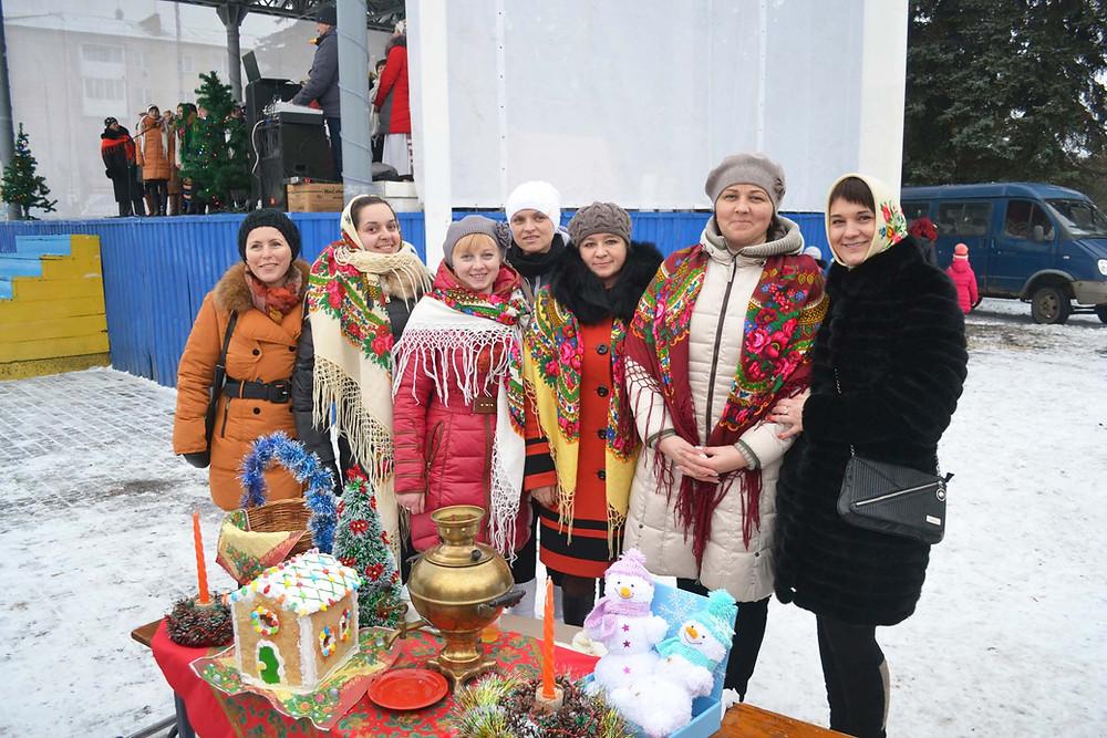 Новорічні привітання та святкування Різдва