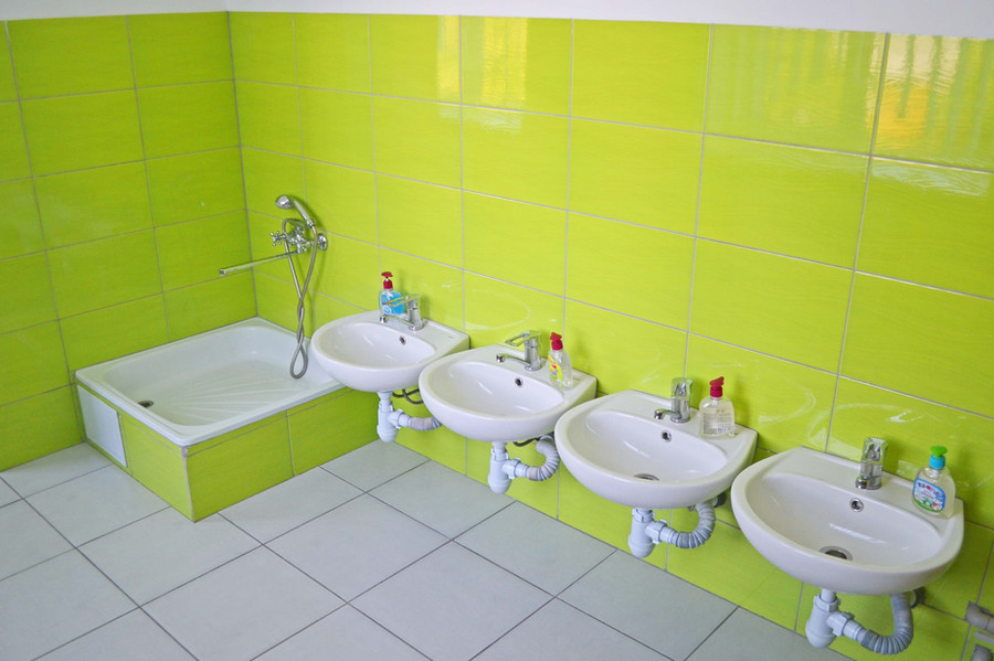 Туалетна кімната групи «Капітошка» ДНЗ №1 «Дзвіночок» міста Сарни