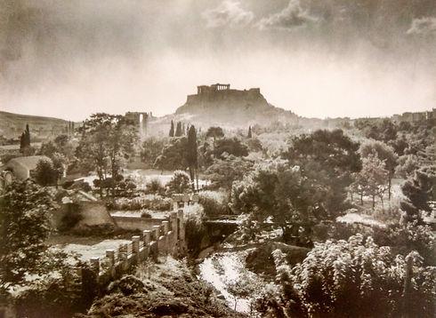 1910_Fre%CC%81de%CC%81ric_Boissonnas_Olympio_Acropolis_Athens_Greece_edited.jpg