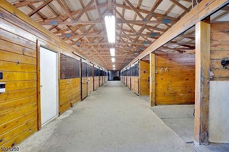 FF indoor stalls _ walkway.jpg
