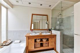 Salle de bain double vasque, robinet, douche italienne, bonde, rénovation