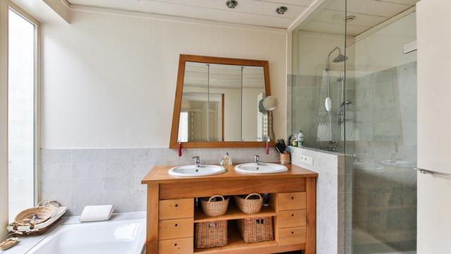 Installation de meubles de salle de bain