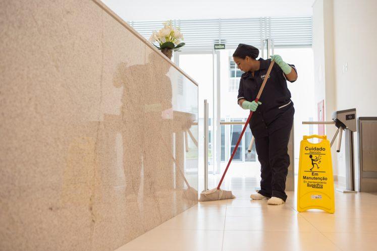 Limpeza em condomínios e portaria