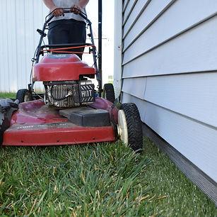 Mowing along trim free borders