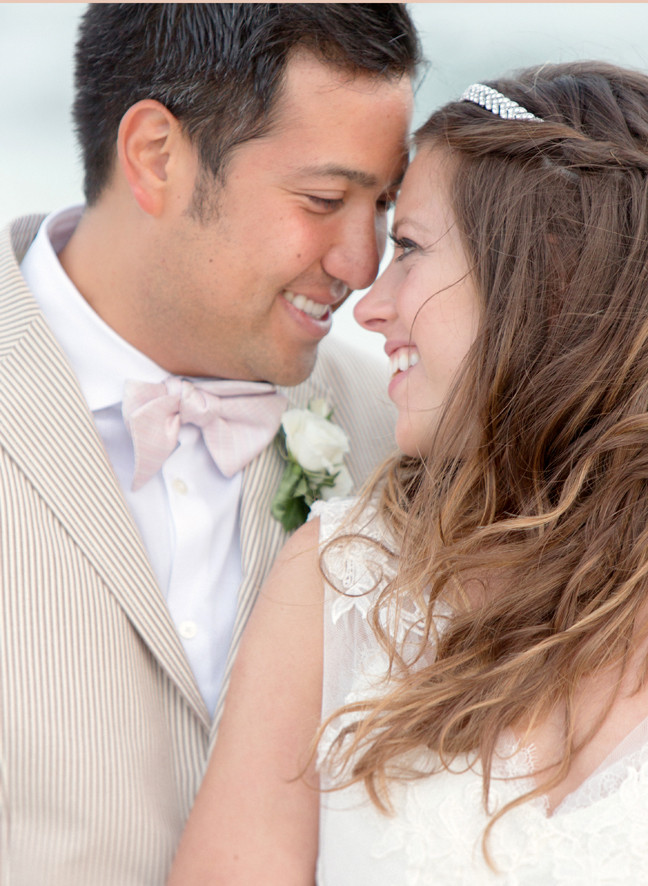 beach-wedding-photo-inspiration-bridal-boho-fashion-bride-groom-best-wedding-blogs