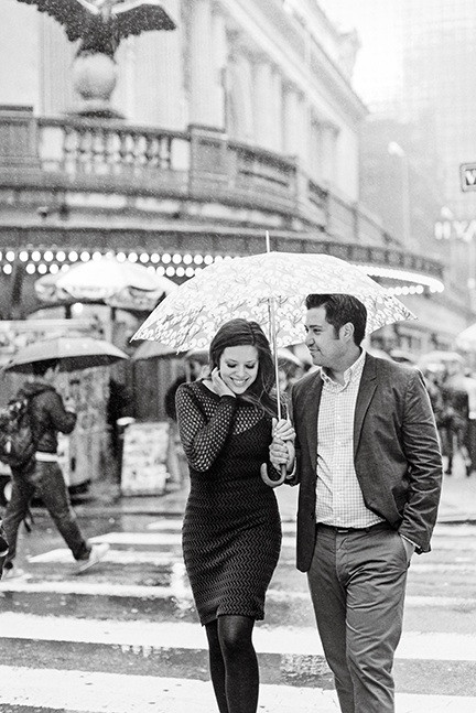 born-to-be-a-bride-nyc-engagement-photos-in-the-rain-photo-inspo-bride-to-be-pinterest-weddings