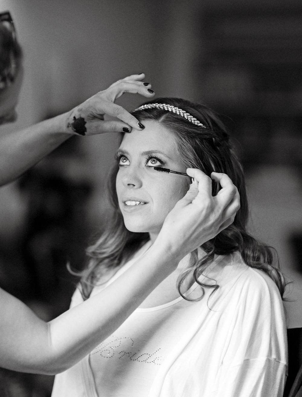 gorgeous-wedding-day-makeup-ideas-born-to-be-a-bride