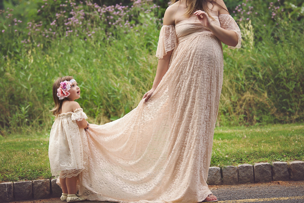 maternity-shoot-goals-pregnancy-phography-bump-style-etsy-dress-lace-boho-maternity-shoot