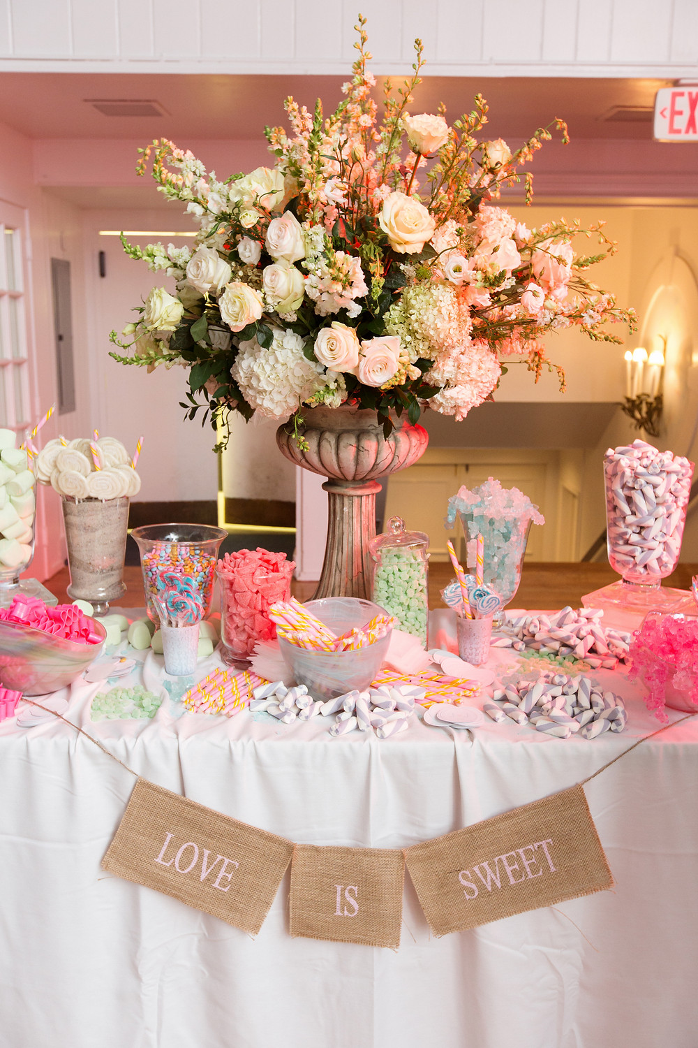 wedding-candy-display-table-bride-blog-pastel-weddings-inspiration
